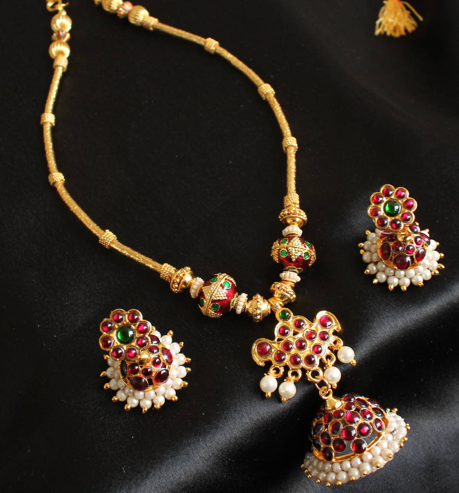 Upto 20 Off On Jewellery Necklace Sets
