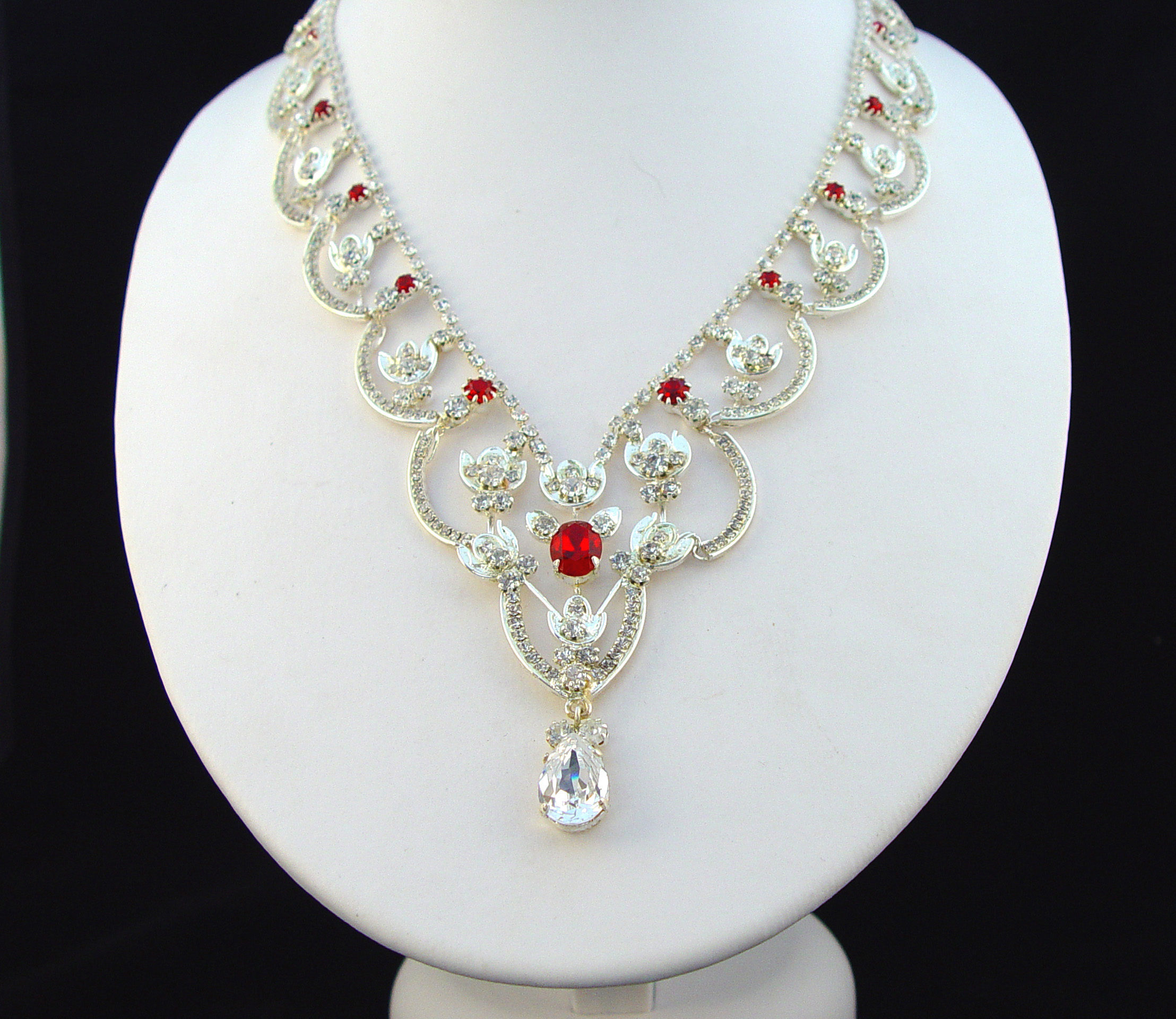 Her Majesty The Queen Elizabeth S Two Strand Necklaces