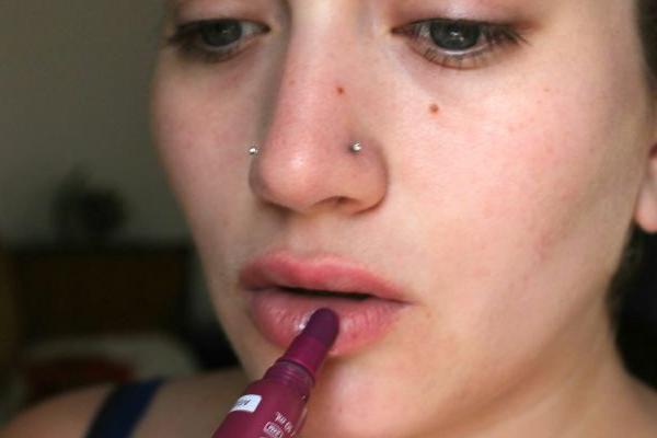 dry-lipstick